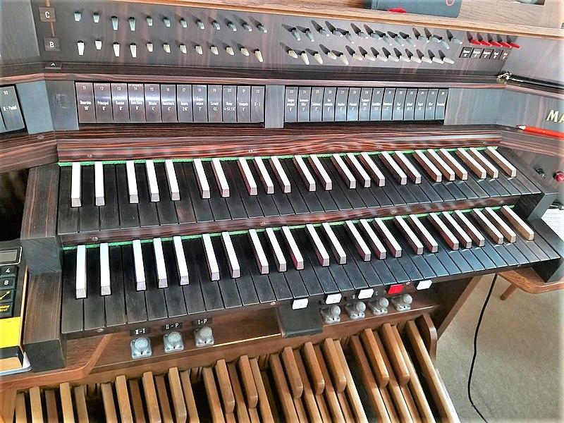 Datei:Hostenbach, Herz Jesu (Mayer-Orgel) (3).jpg