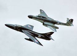 Hunter and meteor at kemble arp.jpg