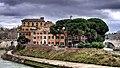 Isola Tiberina (25086003576).jpg