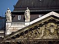 József Attila Street 2-4, statues, 2013 Budapest (471) (13227142574).jpg