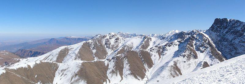 6 Tempat Main Ski Kece Di Timur Tengah
