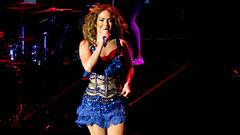 Jennifer Lopez - Pop Music Festival (29).jpg