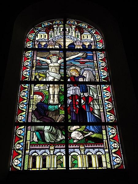 Jeumont (Nord, Fr) église St.Martin, vitrail 06 La crucifixion