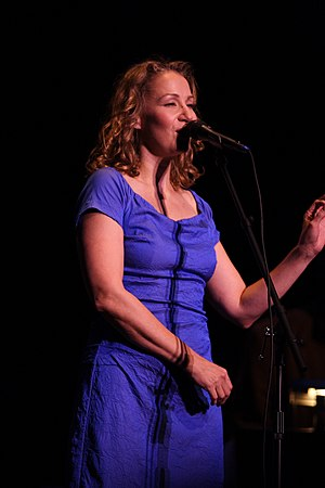 Joan Osborne - Osborne performing in Wilmington, Delaware, November 2009