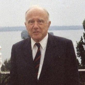 John Archibald Wheeler - John Archibald Wheeler before the Hermann Weyl-Conference 1985 in Kiel, Germany