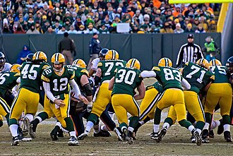 Fullback (gridiron football) - John Kuhn carrying the ball.