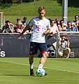 Joshua Kimmich Training 2018-05-08 FC Bayern Muenchen-1.jpg
