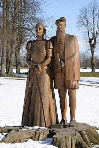 Herluf Trolle - Statue of Herluf Trolle and Birgitte Gøye near Herlufsholm