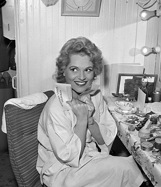 Judy Holliday - Holliday in her dressing room, Los Angeles Civic Light Opera, 1959