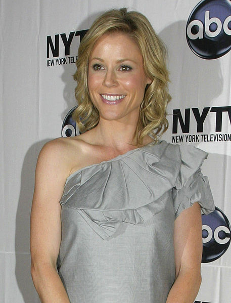 Julie Bowen -Career