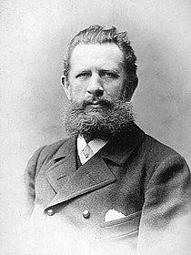 Julius Lundwall portrait.jpg
