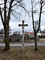 Kříž za zastávkou v Hamrech - panoramio.jpg