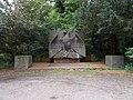 Kamp-Lintfort-Soldatenfriedhof Niersenberg 02.jpg