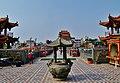 Kaohsiung Lotus Pond Statue des Jade-Kaisers Räucherstäbchenhalter 2.jpg