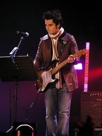 Stereophonics - Kelly Jones performs a set, during the January 2005 Tsunami Relief Cardiff concert