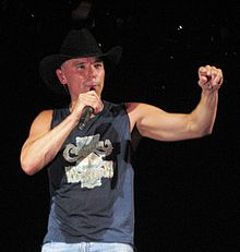 Kenny Chesney performing in 2007