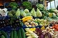 Kleinmarkthalle Frankfurt Gemüsestand.jpg