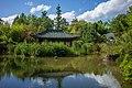 Kraichtal - Münzesheim - Asiatischer Garten - Teich mit Teehaus von SO.jpg