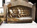 Kronburg Kriegerdenkmal Relief 2.jpg