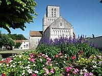 L'église de Corme-Ecluse.JPG