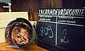 La Grande Vadrouille — Casque allemand et clap de tournage.jpg