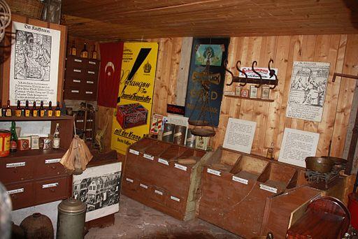 Laden im museum spittal-1