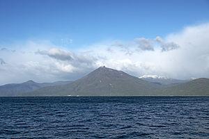 Lake Shikotsu Mt Eniwa-dake03n4272.jpg