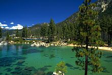 220px-Lake_Tahoe_California_Nevada.jpg