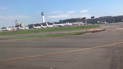 ファイル:Landing on Runway A at Tokyo International Airport.webm