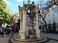 Largo do Carmo - fontana.jpg