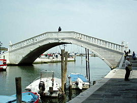 Last Vena bridge in Chioggia.jpg
