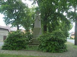 Kriegerdenkmal für die Gefallenen des Ersten Weltkriegs in Lauta auf dem Dorfanger
