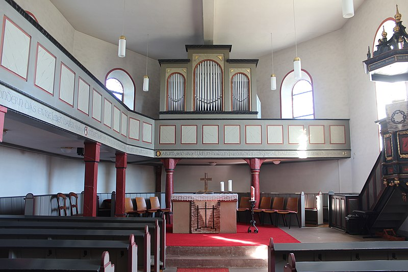 Datei:Lich-Eberstadt - ev Kirche - Kirche - Innenraum 4.jpg