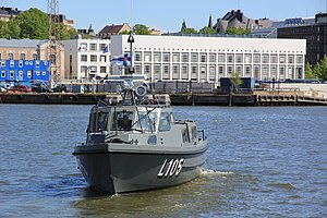 Linnakevene L105 3 lippujuhlanpäivä 2012.JPG