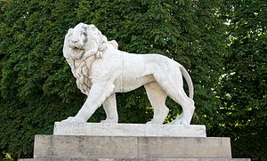 one of the two marble lions in the Jardin du L...