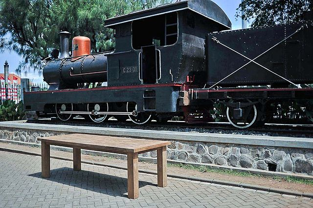 File:Locomotive and Teak Table in front of Lawang Sewu ...