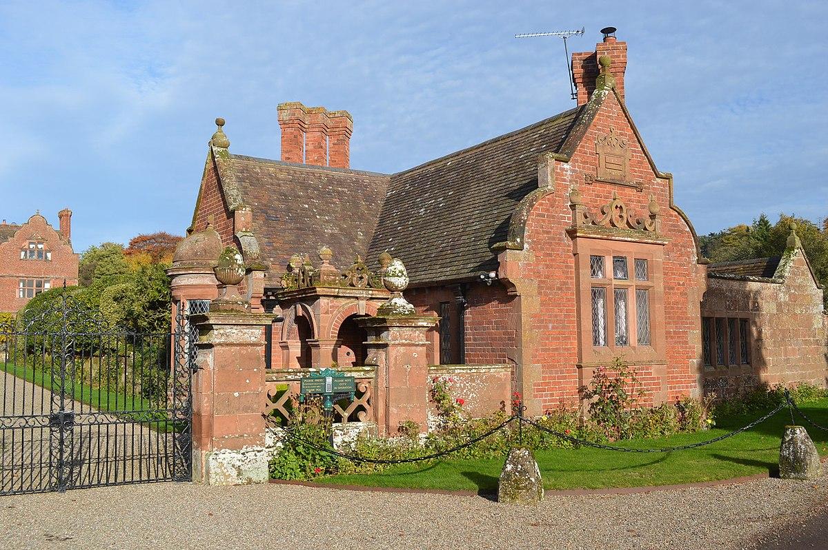 Lodge, Ludstone Hall.jpg