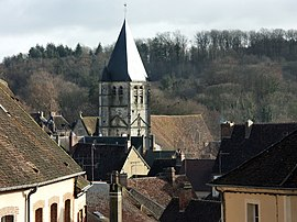 Longy-au-Perche, looking towards the tower of the church of Saint Martin from the west