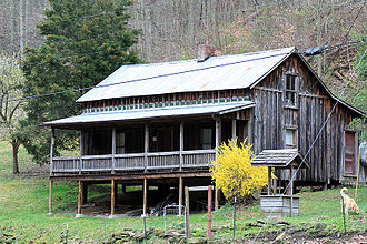 Loretta Lynn - Lynn's childhood home in Butcher Hollow, Kentucky