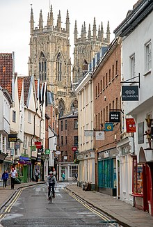 york england minster petergate wikipedia lower file peter background commons wikimedia wiki towers low