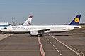 Lufthansa, D-AIDO, Airbus A321-231 (16270742659).jpg