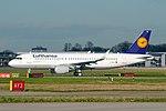Lufthansa A320-214 (D-AIUL) at London Heathrow Airport.jpg