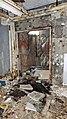 Lumiere du jour et flash dans la porte de la cave - panoramio.jpg