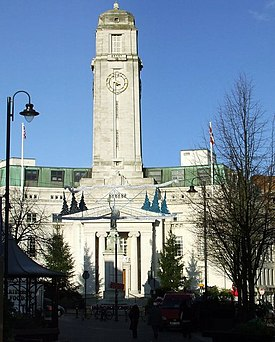 Luton Town Hall - geograph.org.uk - 1598630.jpg