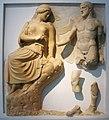 Mètopa del temple de Zeus d'Olímpia amb representació d'Hèracles i els pardals del llac Estimfal (Museu Arqueològic d'Olímpia).JPG