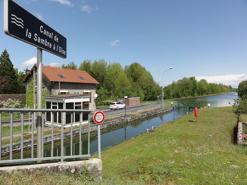 Mézières-sur-Oise (Aisne) canal de la Sambre à l'Oise, écluse