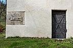 Mölbling Dielach Filialkirche hl. Rupert röm. Grabbaurelief Librarius und Portal 21102018 5088.jpg