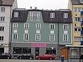 München — Tegernseer Landstr. 125 — Wohn- und Geschäftshaus, Aussenansicht.JPG
