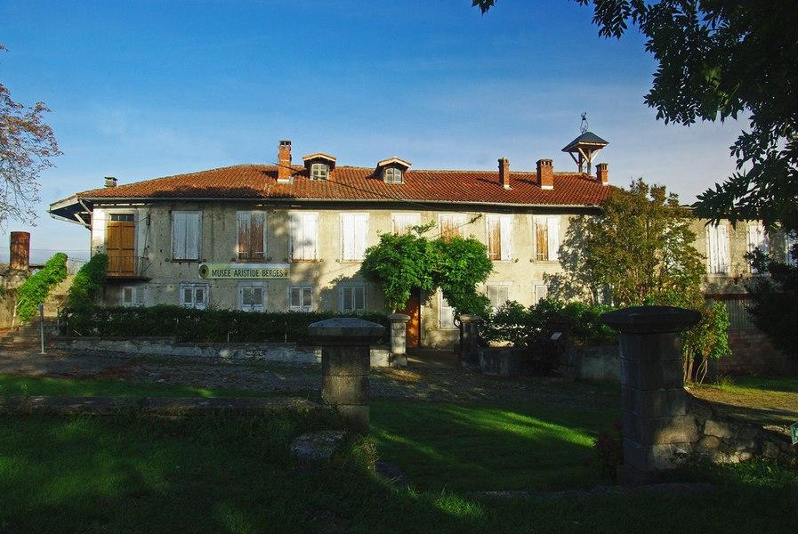 """Aristide Bergès est né dans cette maison en 1833, dans une famille de papetiers. Ingénieur hydraulicien, il est considéré comme le père de la """"houille blanche."""