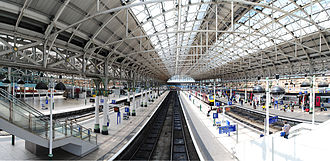 Manchester Piccadilly station - One of the train shed's four arched roofs from the 1860s and 1880s.